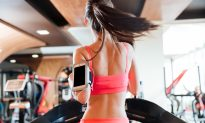 A Holiday Treadmill Workout From Our Trainer of the Month