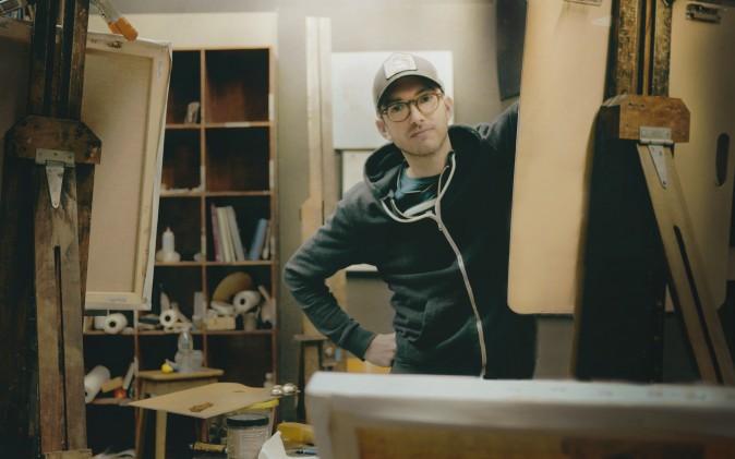 Dale Zinkowski in his studio. (Mariana H./Cargocollective.com)