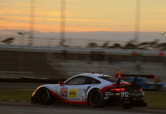 The #912 GTLM Porsche GT Team 911 RSR heads into the West Horseshoe as the Roar winds down. (Chris Jasurek/Epoch Times)