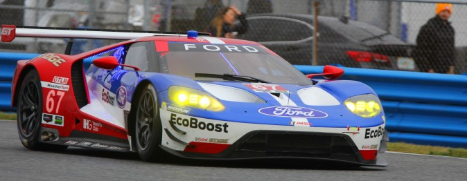 Scott Dixon in the #67 Ford GT, led the four-car Ford-Ganassi team to a sweep of the GTLM class in session four of the 2017 Roar. (Chris Jasurek/Epoch Times)