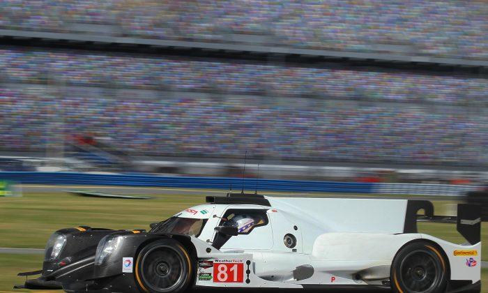 Ben Hanley in the #81 Dragonspeed Oreca-Gibson was quickest in the sixth session at the IMSA WeatherTech Sportscar Championship Roar Before the Rolex 24 at Daytona, Jan. 8. 2017. (Chris Jasurek/Epoch Times)