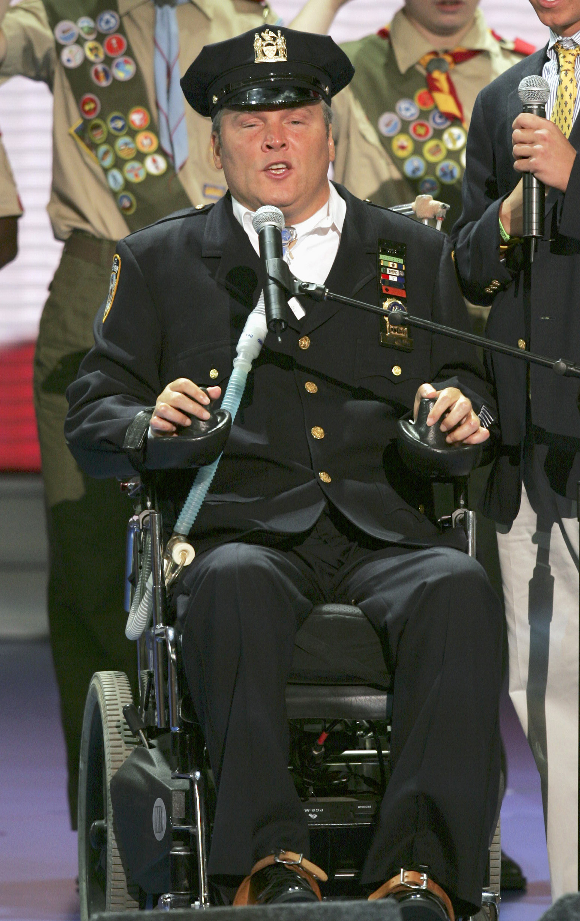 New York Police Officer Steven McDonald recites the Pledge of Allegiance before the morning session of the Republican National Convention at Madison Square Garden in New York, on  Aug. 30, 2004. (AP Photo/J. Scott Applewhite)