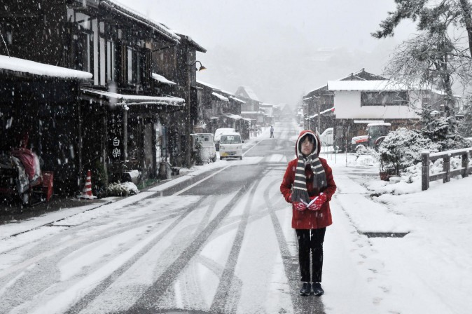 Figure 12 Taking a morning walk in the snow is a wonderful experience. (Sun Mingguo/Epoch Times)