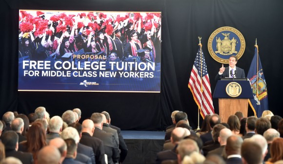 New York Gov.Andrew Cuomo talks about his plan for tuition-free public college for families of income under $125,000at his State of the State address in New York, Jan. 9, 2017. (Office of Governor Andrew M. Cuomo)