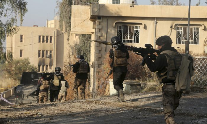 Iraqi special forces in the eastern side of Mosul, Iraq on Jan. 14, 2017. (Khalid Mohammed/File Photo via AP)