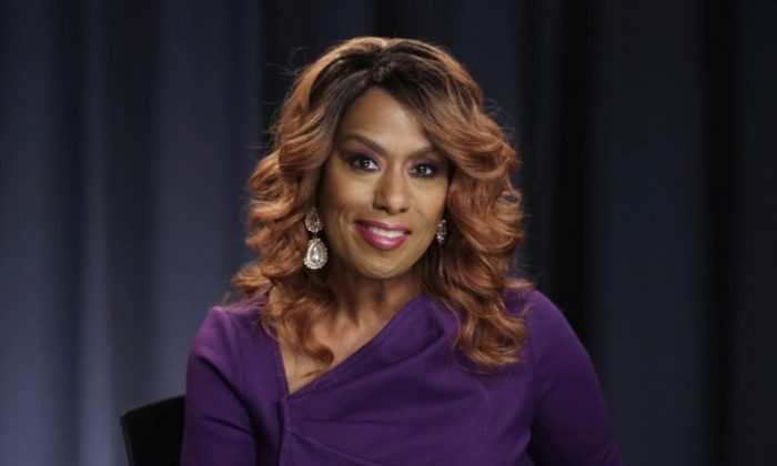 In this Oct. 7, 2016 file photo, actress and singer Jennifer Holliday poses for a photo during an interview in New York. Holliday, who will perform at Donald Trump's inaugural welcome concert next week, supported Hillary Clinton in the election and says her decision to participate is not a political statement.. (AP Photo/Richard Drew, File)