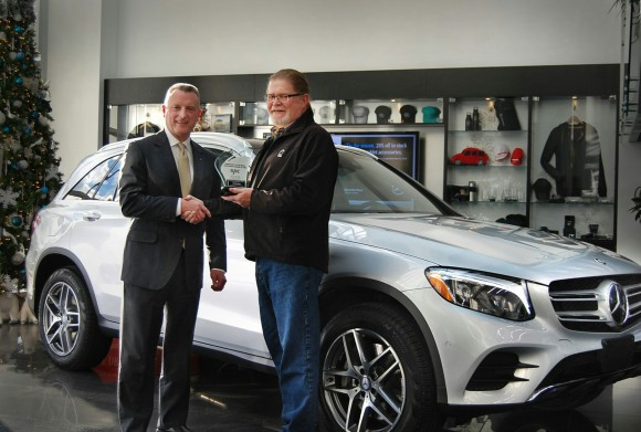 (Left: Brian D. Fulton, president and CEO of Mercedes-Benz Canada, Right: David Taylor, CCOTY Committee Member) (David Taylor)
