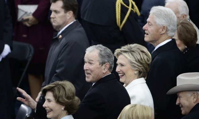 Former President George W. Bush (L) his wife Laura, Former Secretary of State Hillary Clinton and Former President Bill Clinton wait for the 58th Presidential Inauguration for President-elect Donald Trump at the U.S. Capitol in Washington on Jan. 20, 2017. (AP Photo/Matt Rourke)