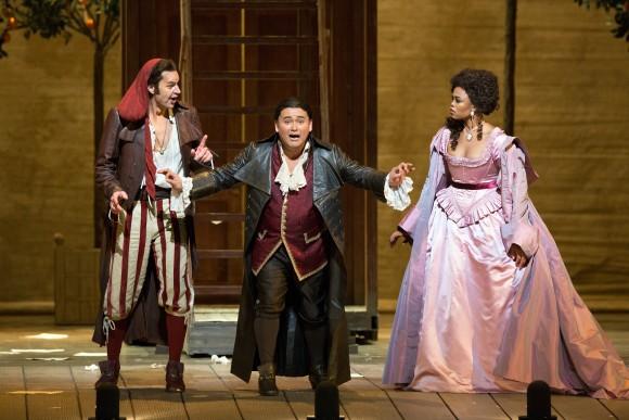 Figaro (Peter Mattei) helps Count Almaviva (Javier Camarena) win his lady love Rosina (Pretty Yende) in