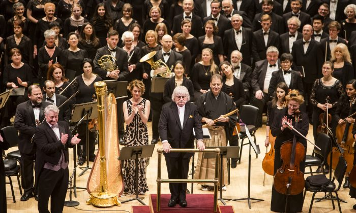 """Composer Karl Jenkins (C) at the North American premiere of his """"Cantata Memoria"""" presented by DCINY at Carnegie Hall in New York City on Jan. 15, 2017. (Samira Bouaou/Epoch Times)"""