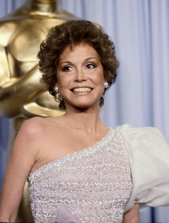 "This March 31, 1981 file photo shows Mary Tyler Moore at the 53rd Academy Awards in Los Angeles. Moore, nominated for Best Actress for her film ""Ordinary People,"" lost out to Sissy Spacek for ""Coal Miner's Daughter.""  Moore died on Jan. 25, 2017, at age 80. (AP Photo/Randy Rasmussen, File)"