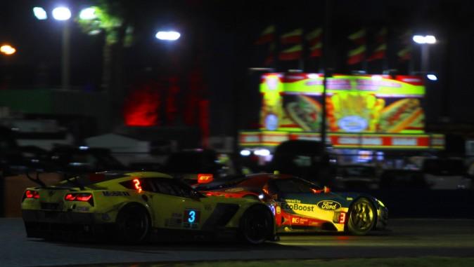 Jan Magnussen in the #3 Corvette chases Tony Kanaan in the #69 Ford GT. (Chris Jasurek/Epoch Times)