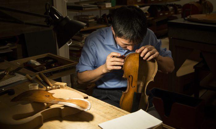 Tatsuo Imaishi at the restoration shop of Rare Violins of New York in Manhattan, New York, on Jan. 9, 2017. (Samira Bouaou/Epoch Times)