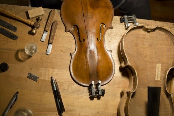 The restoration shop of Rare Violins of New York in Manhattan, New York, on Jan. 9, 2017. (Samira Bouaou/Epoch Times)
