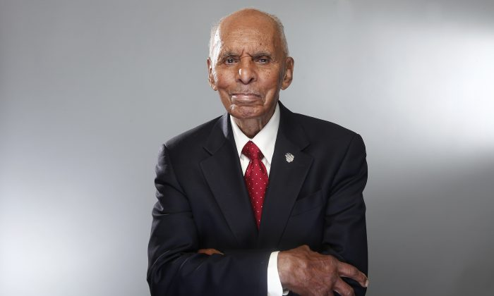 """Tuskegee airman Dr. Roscoe Brown during the """"Red Tails"""" press junket in New York in 2012. """"Red Tails,"""" a film that chronicles the heroism of the Tuskegee Airmen. (AP Photo/Carlo Allegri)"""