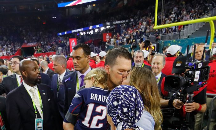 Tom Brady #12 of the New England Patriots celebrates with wife Gisele Bundchen, daughter Vivian Brady and mother Galynn Brady after defeating the Atlanta Falcons during Super Bowl 51 at NRG Stadium in Houston, Texas, on Feb. 5, 2017. (Photo by Kevin C. Cox/Getty Images)