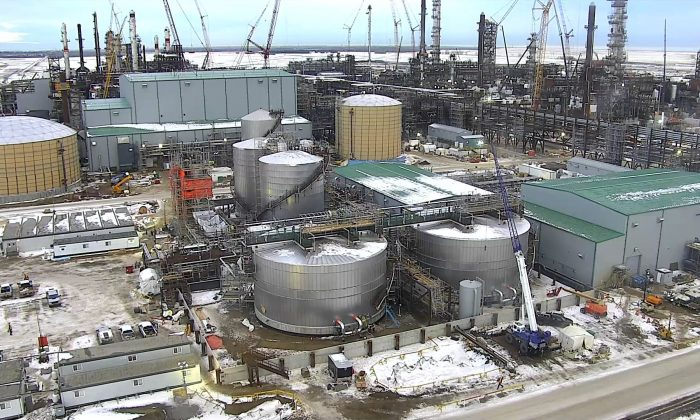 The North West Redwater Sturgeon Refinery, the first refinery in the world to be built with an integrated carbon capture and storage system, will reduce Alberta's dependence on the export of raw bitumen. (Courtesy of North West Redwater)
