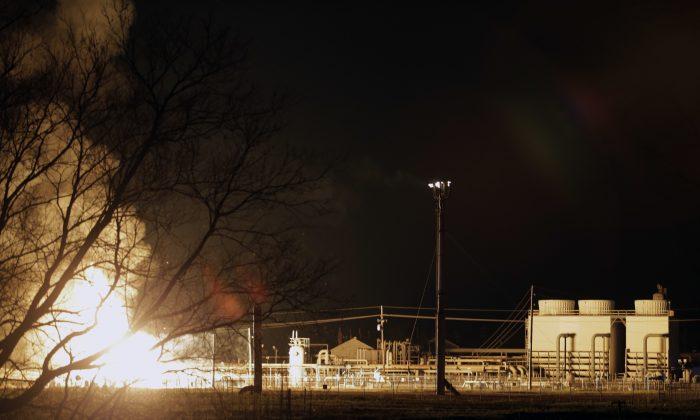 A fire burns at a Phillips 66 pipeline in Paradis, La., on Feb. 9, 2017. (Brett Duke/NOLA.com The Times-Picayune via AP)