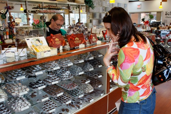 Vanessa Necolettos shops for Valentine's Day chocolates for her husband at Schakolad Chocolate Factory (Photo by Joe Raedle/Getty Images)