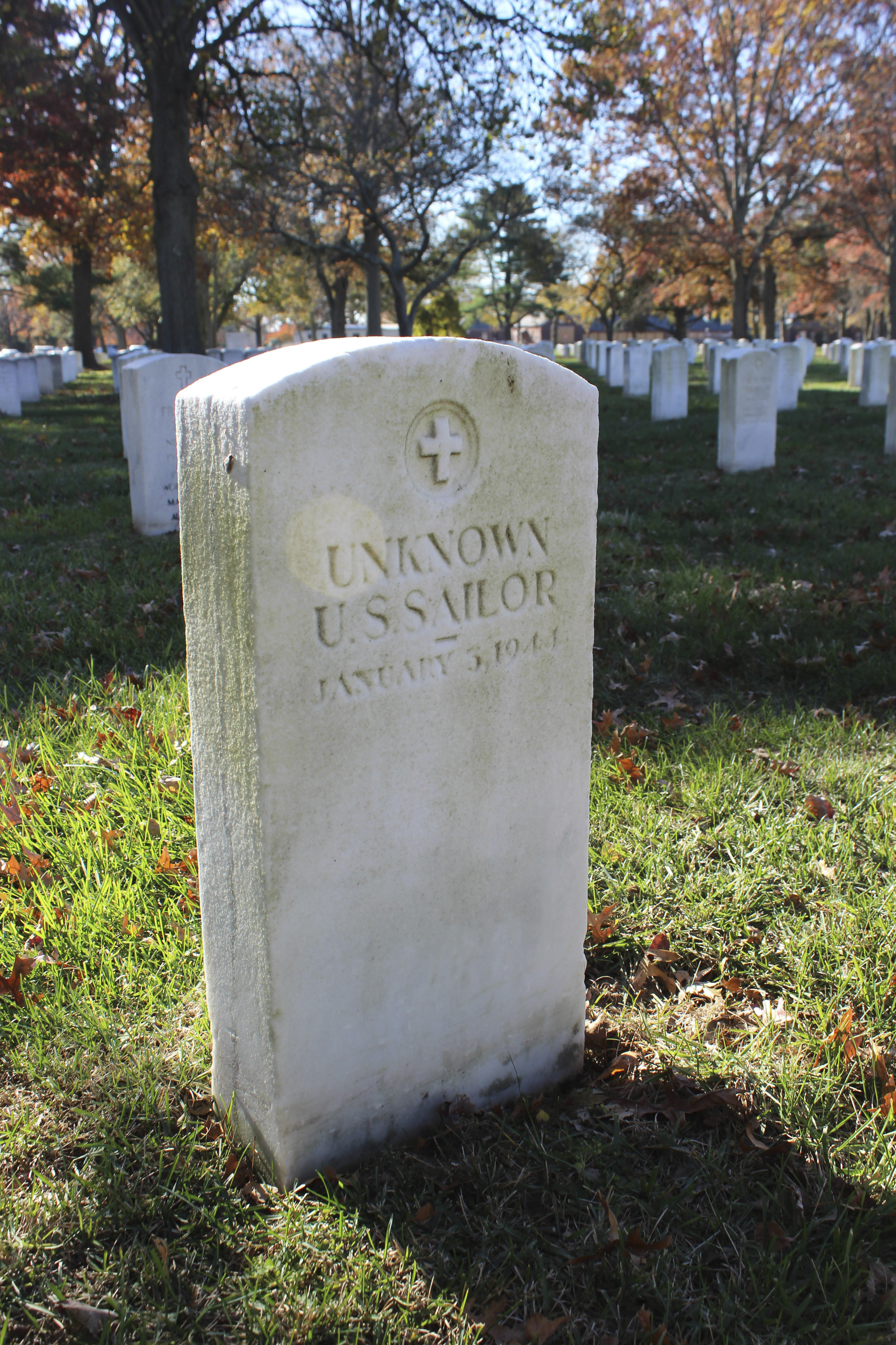 A gravestone with the inscription UNKNOWN U.S. SAILOR at Long Island National Cemetery in Farmingdale, N.Y. (AP Photo/Frank Eltman, File)