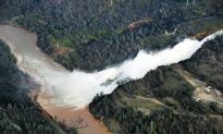 Damaged Dam System Threatens Northern California Towns
