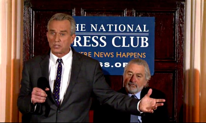 Robert Kennedy Jr. and Robert De Niro at a press conference at the National Press Club in Washington D.C., on February 15, 2017. (Screenshot)