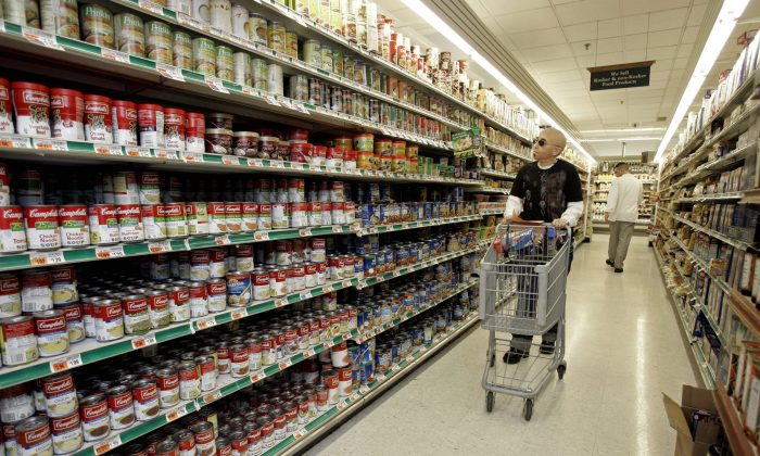 A new study suggests more than half of Canadians, especially those with health conditions, are worried the foods they're buying are not what labels claim. (AP Photo/Richard Drew)