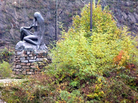 Statue of Lorelei on the Rhine. Legend has it that Lorelei is a nymph who lives on a steep rock and lures fishermen to their death with her song. (Barbara Angelakis)
