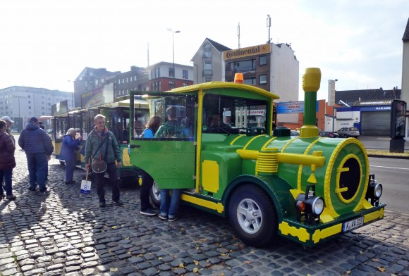 Tourist train in Cologne. (Barbara Angelakis)