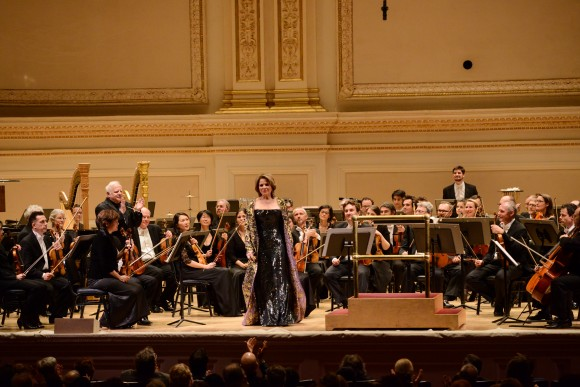 Orchestre National de Lyon and Renée Fleming. The soprano sang Ravel's