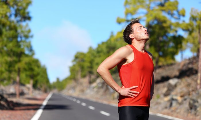 Exercising in hot weather adds stress to the body and comes with risk of heat exhaustion. (Maridav/shutterstock)