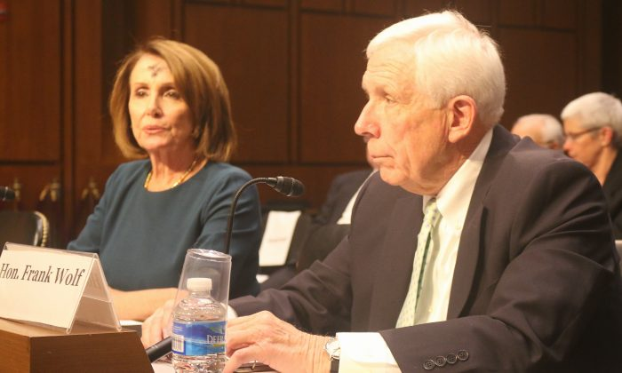 Democrat Minority Leader Nancy Pelosi (Calif.) and former Republican Congressman Frank Wolf (Va.) testify at the Congressional-Executive Commission on China (CECC) hearing on March 1. Both have for decades opposed Permanent Normal Trade Relations (PNTR) with China. (Gary Feuerberg/ Epoch Times)