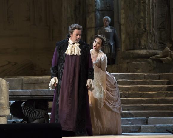 Matthew Polenzani as Idomeneo and Nadine Sierra as Ilia. (Marty Sohl/Metropolitan Opera)