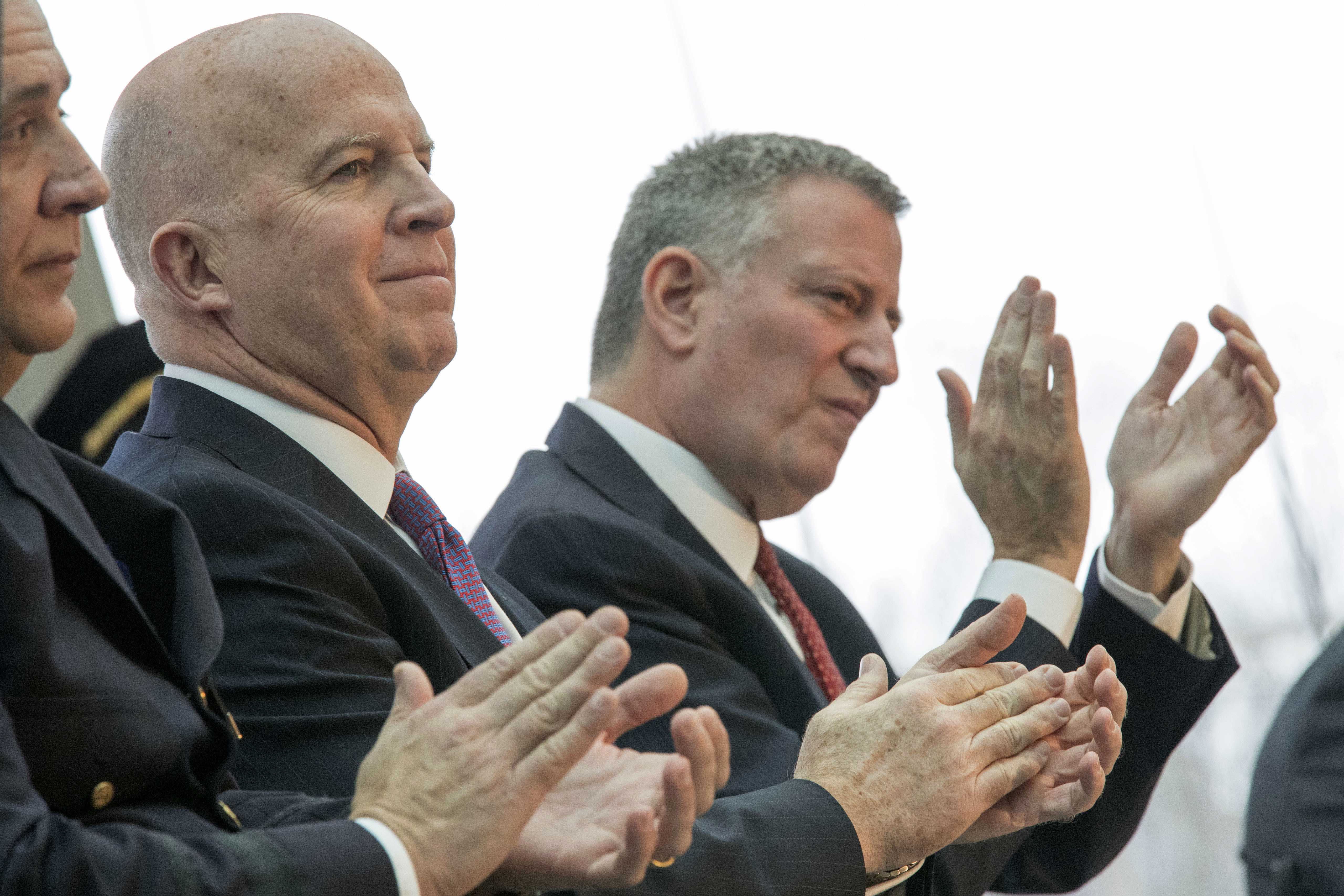 New York City Mayor Bill de Blasio (R) and NYPD Commissioner Jim O'Neil appear at a news conference in New York, in this file photo. (AP Photo/Mary Altaffer)