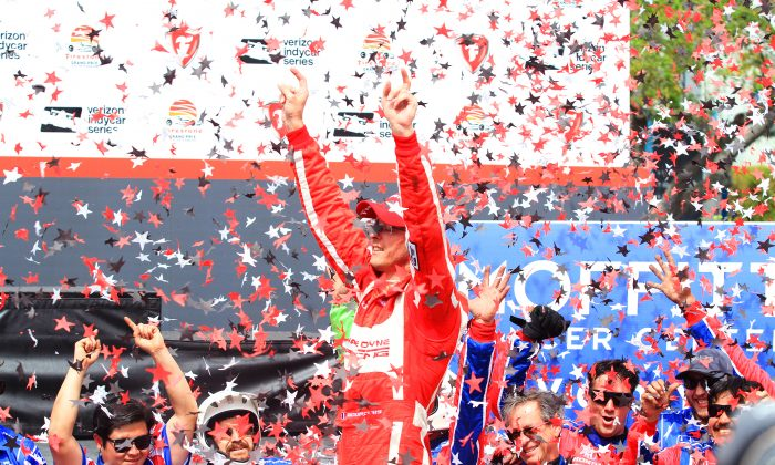 Sebastien Bourdais celebrates after winning the IndyCar Firestone Grand Prix of St. Petersburg, March 12, 2017. (Chris Jasurek/Epoch Times)