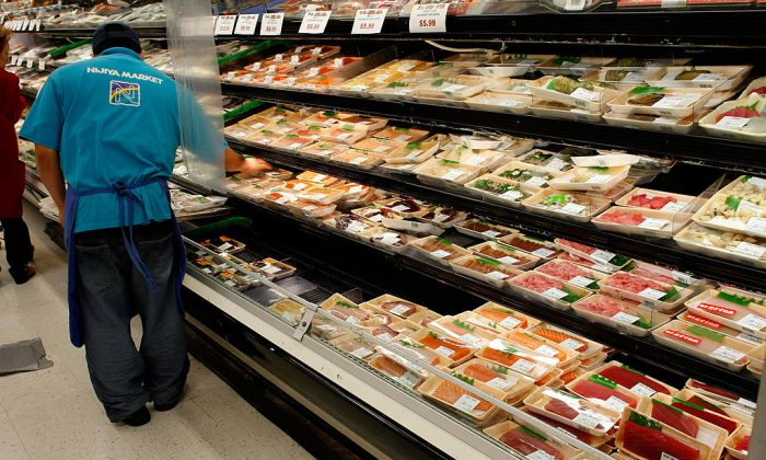 A supermarket shelf with sushi. (Justin Sullivan/Getty Images)