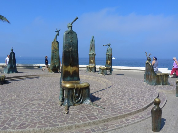 """La Rotonda del Mar"" on the Malecón. (Barbara Angelakis)"