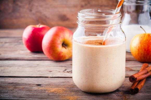 Apple smoothie with cinnamon. (Ekaterina Kondratova/Shutterstock)