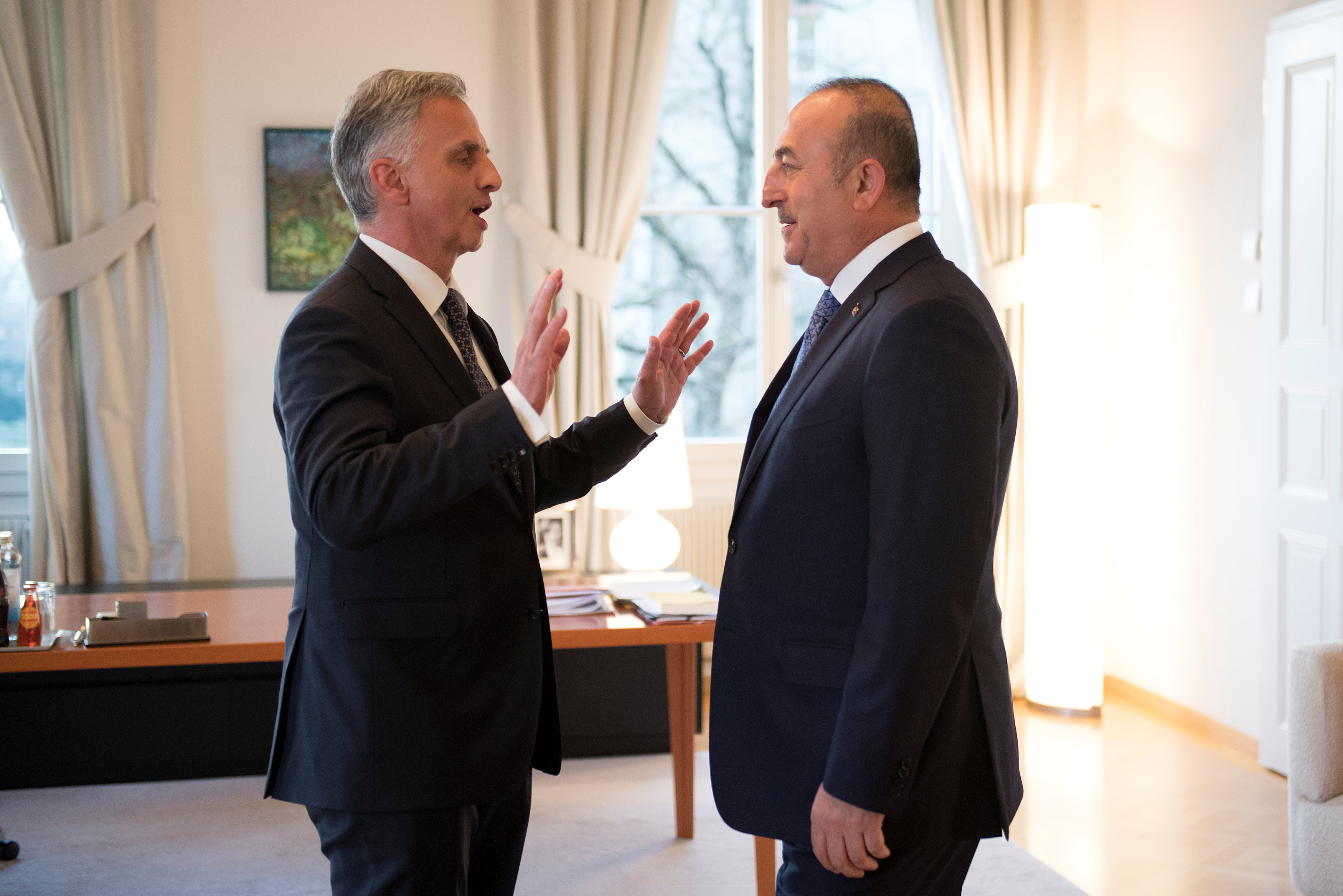 Turkey's Foreign Minister Mevlut Cavusoglu (R) and Switzerland's Federal Councillor Didier Burkhalter during Cavusoglu's visit to Switzerland in Bern, Switzerland on March 23, 2017. (REUTERS/Anthony Anex/Pool)
