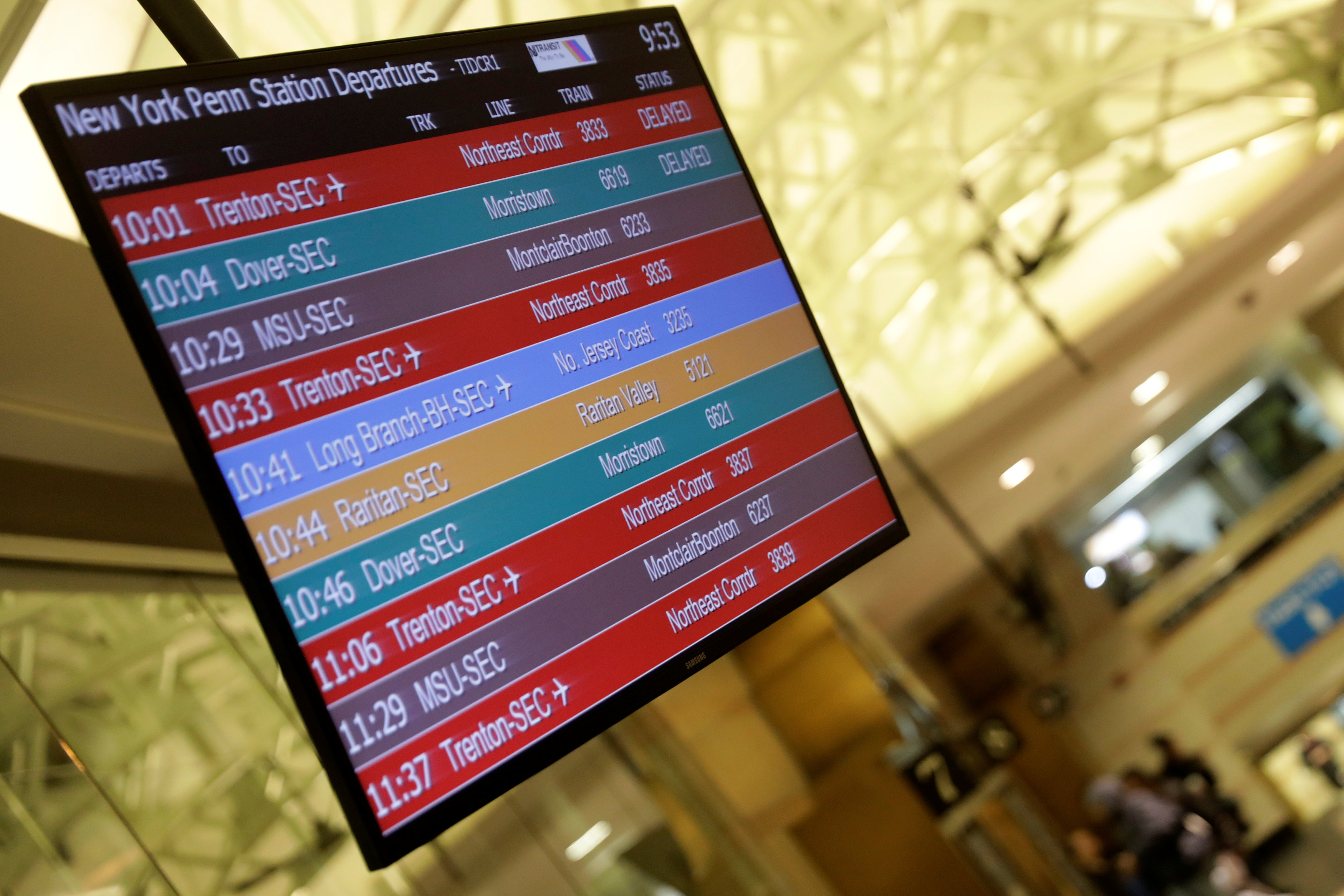 A sign board showing delays is pictured at Pennsylvania Station after an incident in the Manhattan borough of New York on March 24, 2017. (REUTERS/Lucas Jackson)