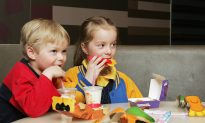 Despite Promises, Restaurant Kids Meals No Healthier