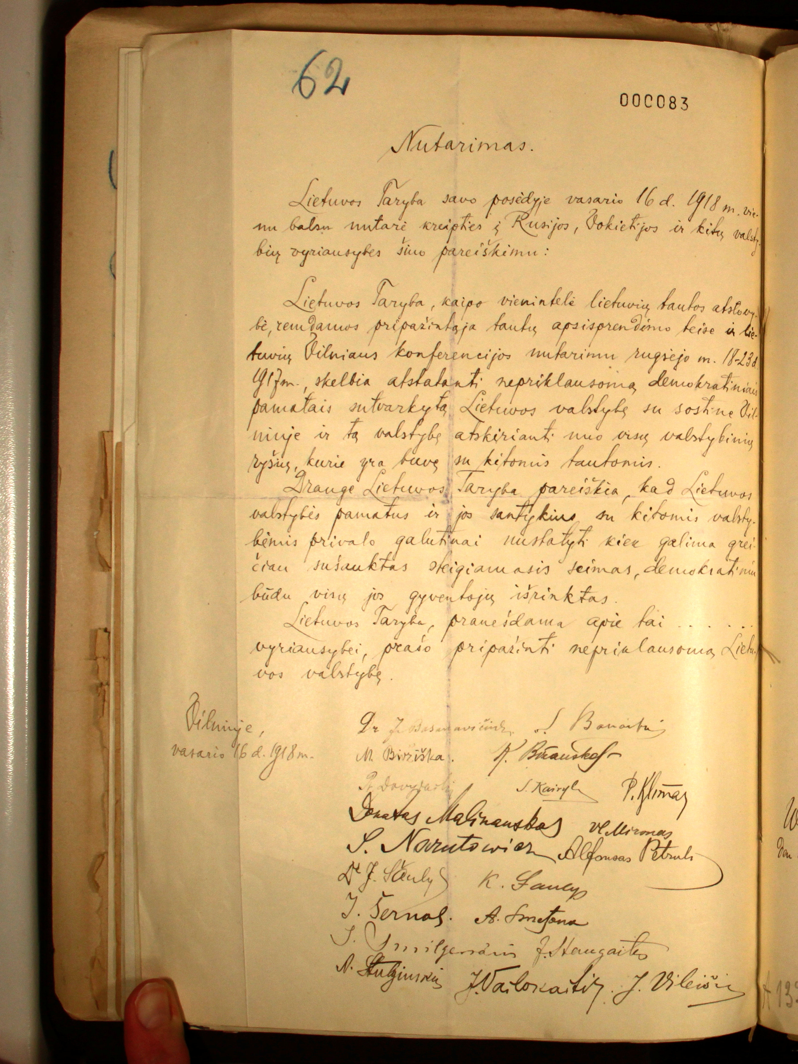Lithuania's Independence declaration from February 16, 1918 released by Lithuanian Embassy in Berlin, Germany on March 30, 2017. (Lithuanian Embassy in Germany/Handout via REUTERS)