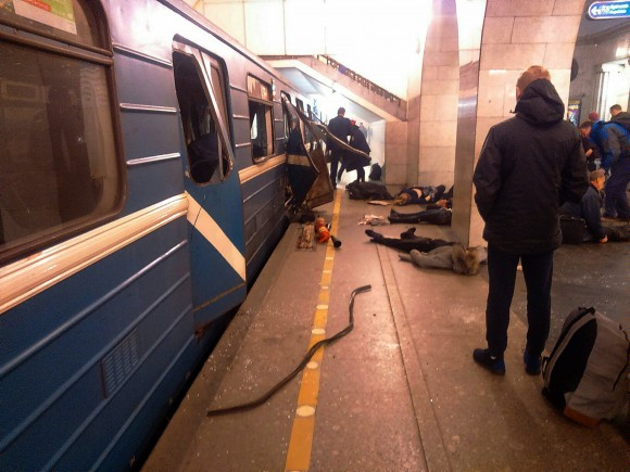 Blast victims lie near a subway train hit by a explosion at the Tekhnologichesky Institut subway station in St.Petersburg, Russia April 3, 2017. The subway in the Russian city of St. Petersburg is reporting that several people have been injured in an explosion on a subway train. (AP Photo/DTP&ChP St. Peterburg via AP)