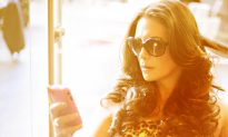 Sibylle's Style Diary: Lyss Stern on Embracing Motherhood While Keeping Your Style