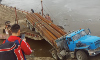 Barge Load Fail in Russia