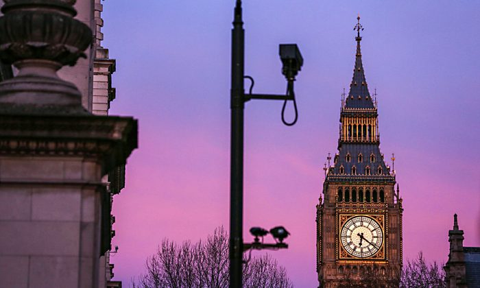 Surveillance cameras in front of the Elizabeth Tower near the Houses of Parliament in London on March 22, in the aftermath of a terror attack. (DANIEL LEAL-OLIVAS/AFP/Getty Images)