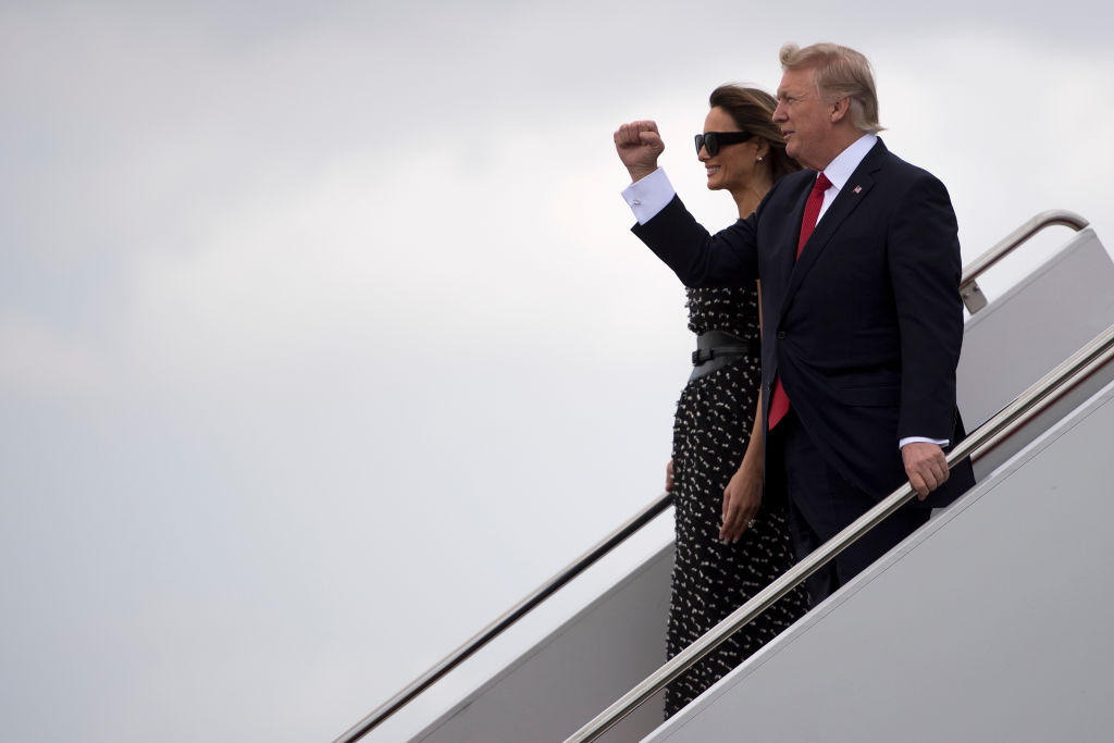 First Lady Melania Trump (L) and US President Donald Trump (R) arrive in West Palm Beach, Fla., on April 6, 2017. (JIM WATSON/AFP/Getty Images)