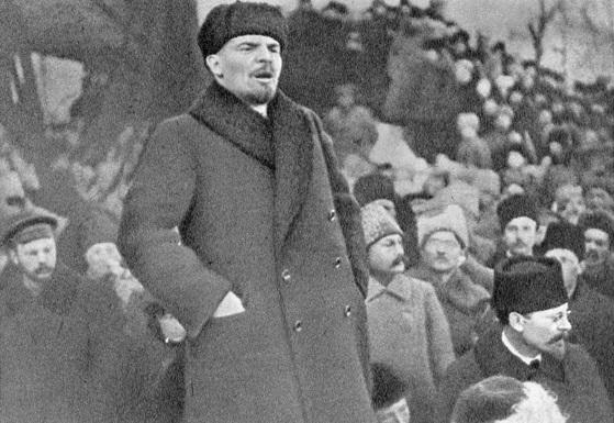 Bolshevik leader Vladimir Lenin speaks at a rally in March 1917. (Goldshtein G./Public Domain)