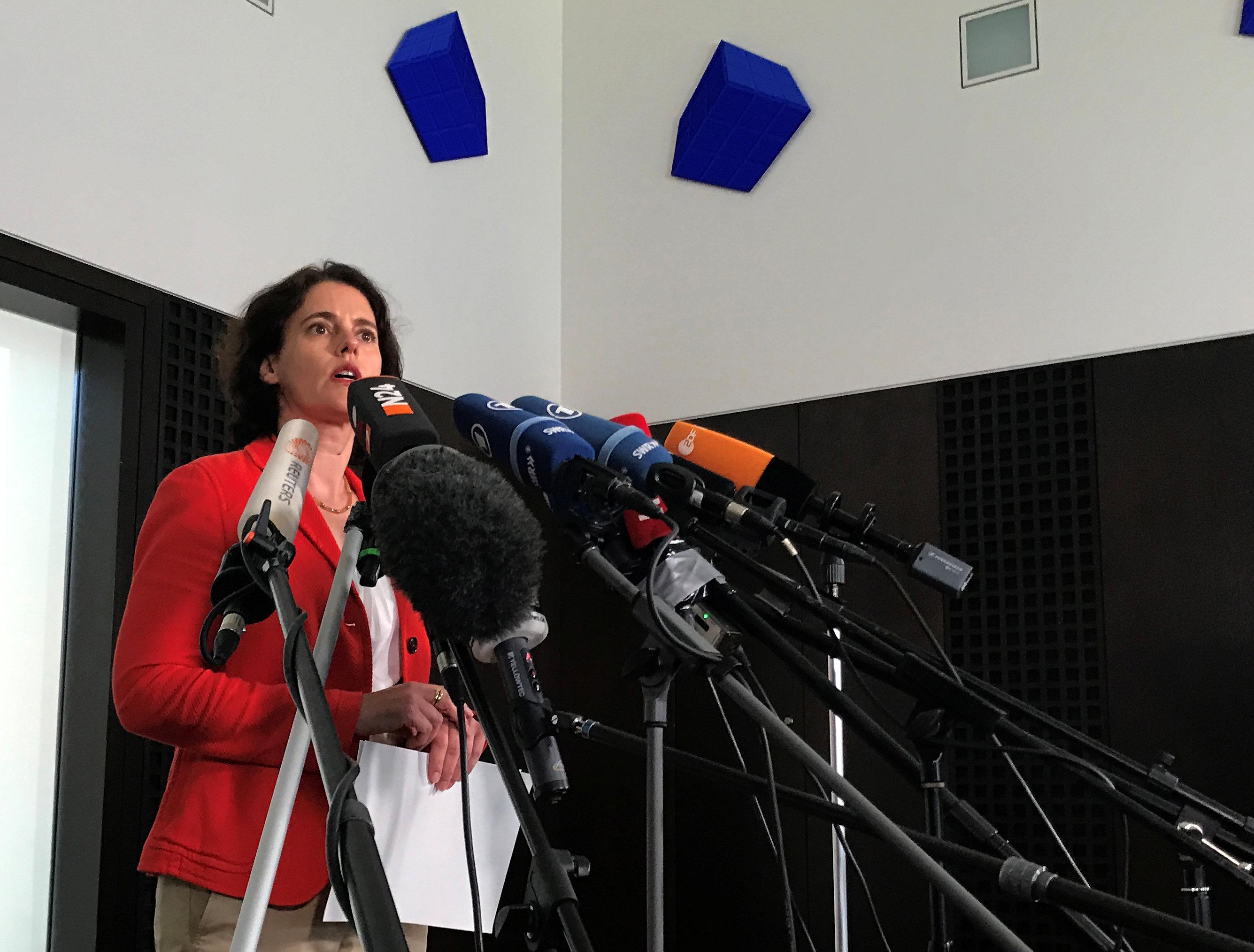 Spokeswoman for federal prosecutors Frauke Koehler gives a statement in Karlsruhe, Germany on April 12, 2017. (REUTERS/Tilman Blasshofer)