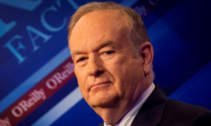 """Fox News Channel host Bill O'Reilly on the set of his show """"The O'Reilly Factor"""".  (REUTERS/Brendan McDermid)"""